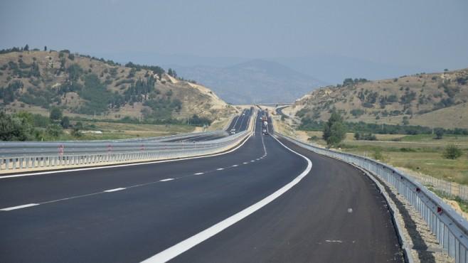 Варна-Бургас ще го минаваме за 30 минути?