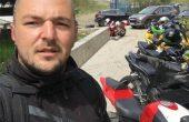 Близки на загиналия моторист настояват спешно за ограда на злокобното място по бул.