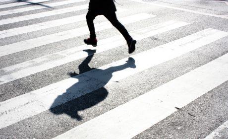 Товарен автомобил блъсна дете във Варна
