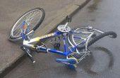 Велосипедист се заби в бордюр