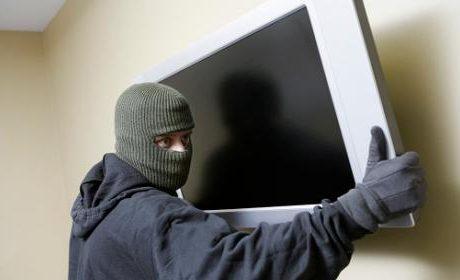 Варненец задигна телевизор от хотел
