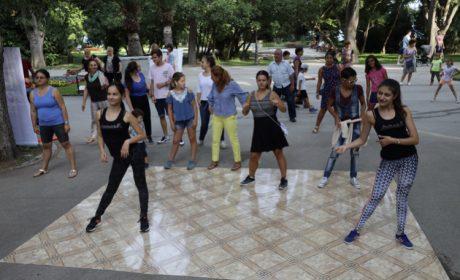 От три дни Варна танцува