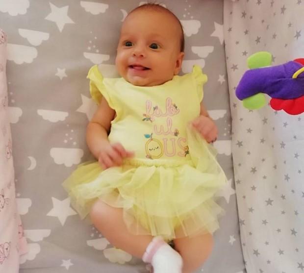 Състоянието на бебенцето Калина се влоши, родителите й очакват дата за операцията