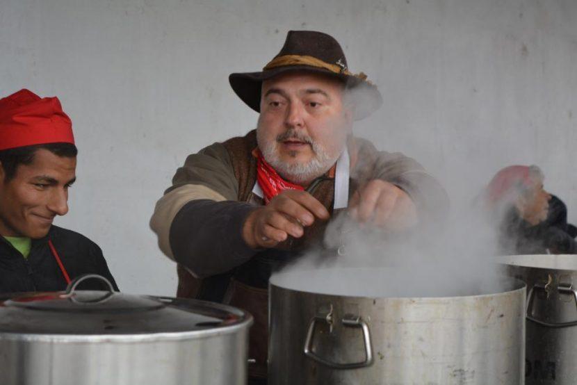 """Ути Бъчваров ще готви на фолклорния фестивал """"Св. Марина"""" край Аксаково"""