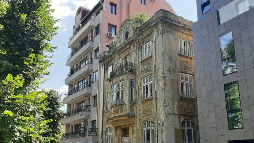 Къщата с папагалите във Варна възкръсва за нов живот