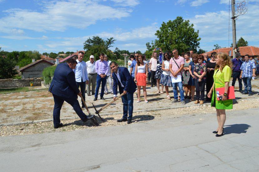Започва дългоочакван ремонт на осем улици във Вълчи дол