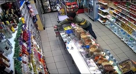 66-годишен открадна хранителни стоки от магазин във Варна, хванаха го