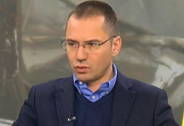 Джамбазки за шефката на НАП: Нахално поведение