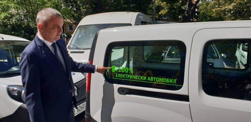 """18 електрически автомобила контролират паркирането в """"синята зона"""" (снимки и видео)"""