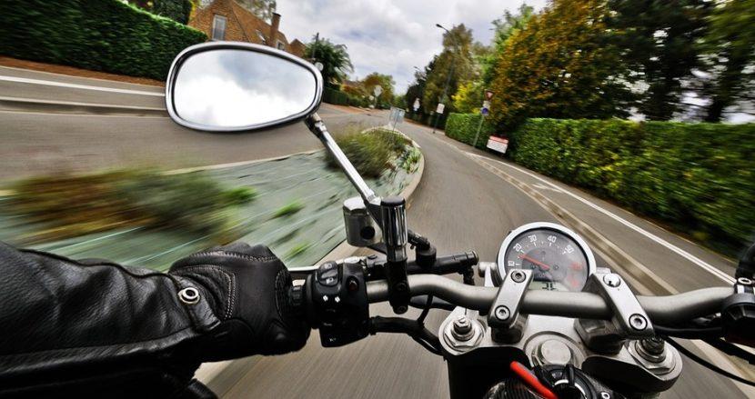 Хванаха моторист да управлява без книжка във Варна
