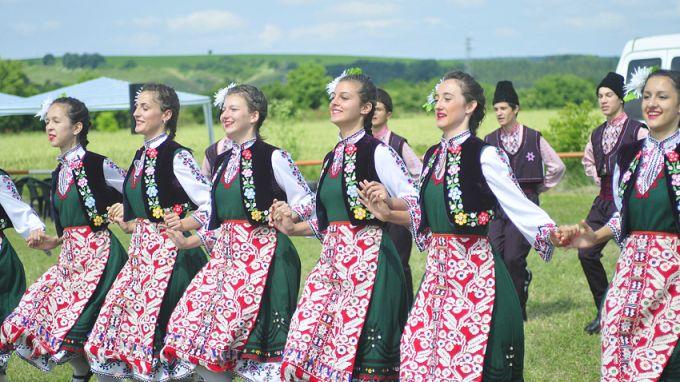 М.Георгиев: Младите хора се завръщат към фолклора