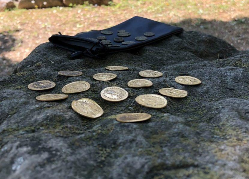 Археолози откриха златно съкровище край Девня (снимки)
