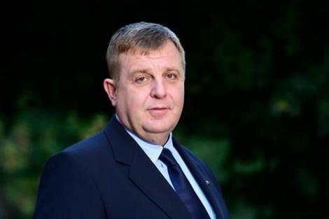 Каракачанов: До края на годината ще се подпише договорът за строежа на нови военни кораби за ВМС
