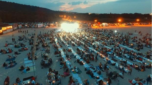 """""""Най-дългата вечеря на плажа"""" днес на Аспарухов плаж"""