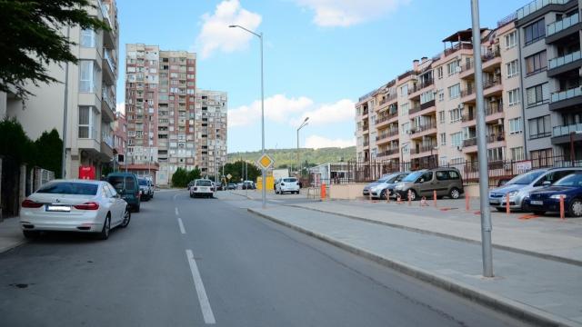 """Забраняват достъпа на камиони до ул.""""Ана Феликсова"""" през бул. """"Цар Освободител"""""""