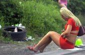 Заловените сутеньори в Бургас симулирали любов към жертвите си