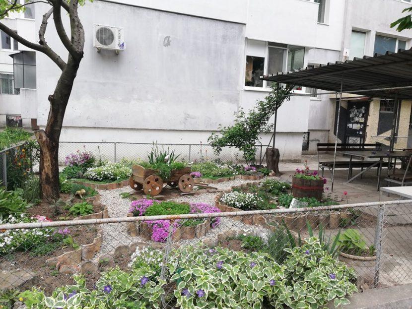 """""""Кайсиева градина"""" с нови паркинги, кътове за отдих и готов проект за мащабен ремонт"""