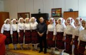 Фондация БЪЛГАРИН дари 12 броя народни носии на Хуманитарна гимназия