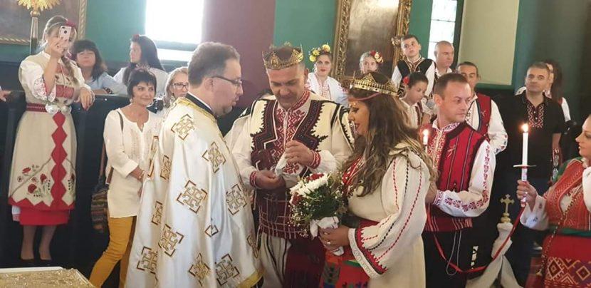 Уникална етно сватба се завъртя във Варна (снимки)