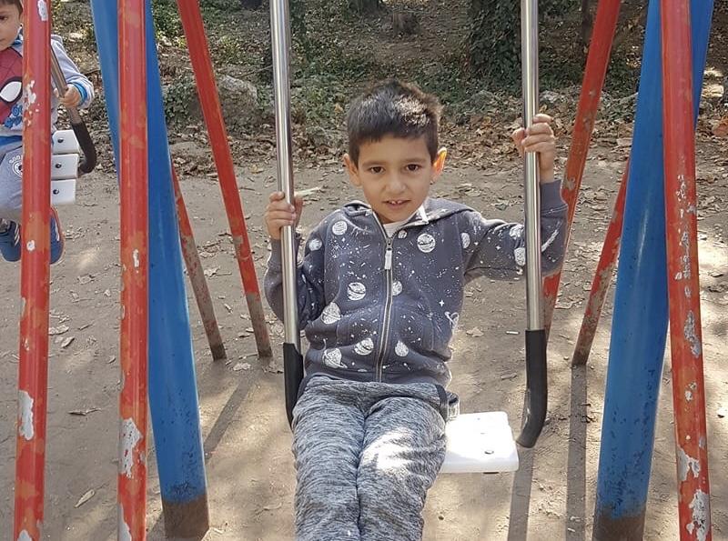 Издирва се изчезнало дете във Варна