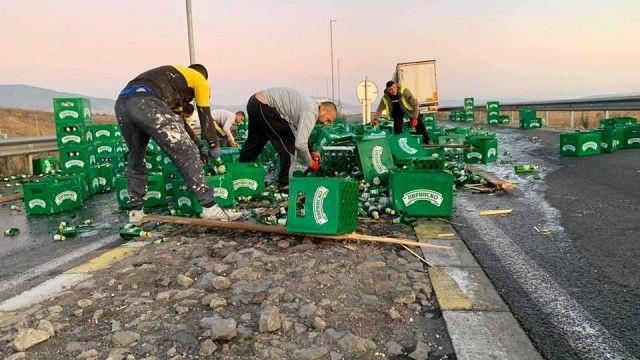 Трагедия: Камион разпиля бира на магистралата
