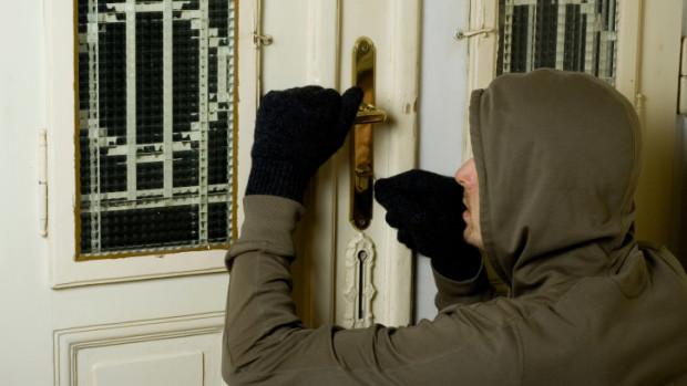 Как крадците проникват в дома ни?