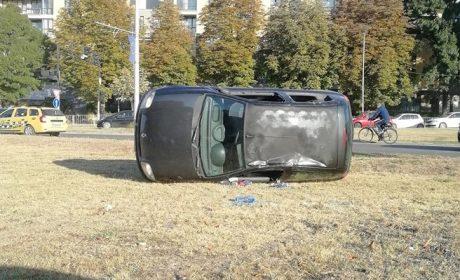 """Каскада с автомобил пред стадион """"Варна"""""""