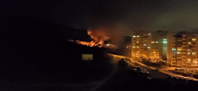 Извънредно! Голям пожар във Владиславово