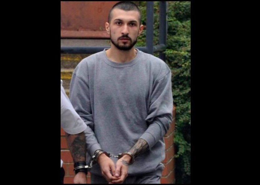 Обвиниха българин в опит за убийство, нападнал с нож съпругата и детето си