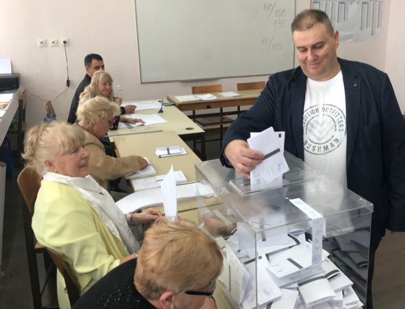 Емил Радев: Гласувах постигнатото през последните години във Варна да бъде надградено