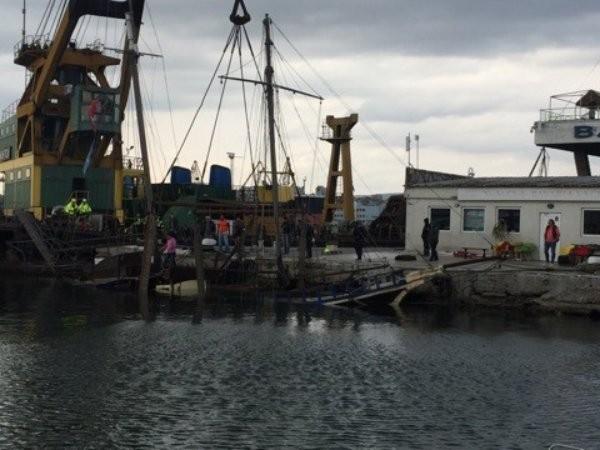 Потъна уникална атракция на Морска гара, от която падна и се удави белгийски турист