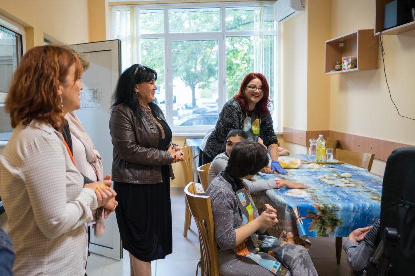 """Дневен център """"Слънчевата къща"""" празнува рожден ден (снимки)"""