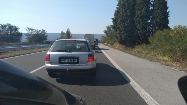 Голямо меле задръсти магистралата край Варна (СНИМКИ)