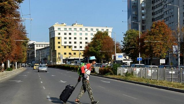 Камикадзе се разхожда по булевард във Варна (СНИМКИ)