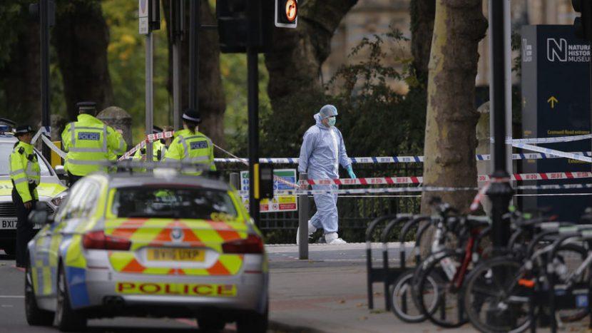 Откриха 39 тела в камион във Великобритания, вероятно е български