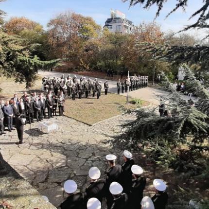 Честваха 575 години от битката при Варна (снимки)