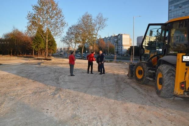 Нови паркинги, тротоари и асфалтирани улици в Цветен квартал