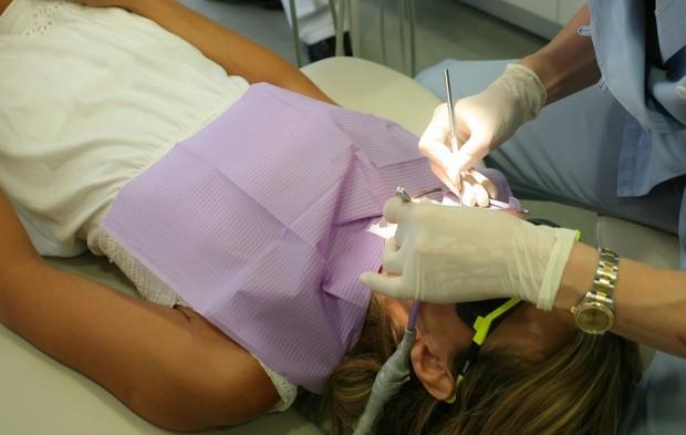 Вадене на млечно зъбче докара сериозни главоболия на младо семейство от Варна