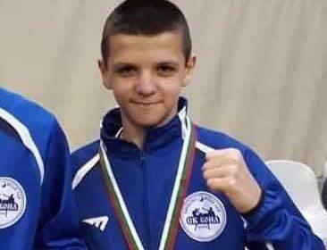 14-годишният Ванко от Варна все още е в будна кома