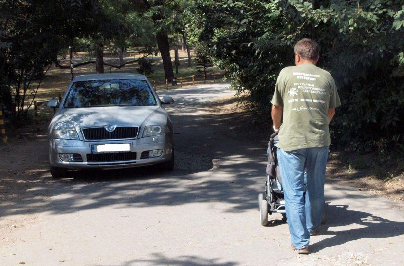 Кметът Иван Портних категоричен: без автомобили в морската градина