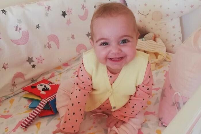 Бебе Калина се завърна у дома за празниците
