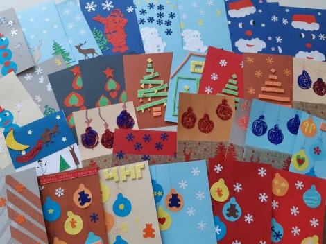 Варненски ученици изработиха над 200 коледни картички в подкрепа на деца в нужда