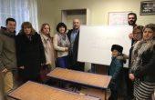 ГЕРБ – Владиславово подари учебна дъска за неделното училище в Казашко (Снимки)