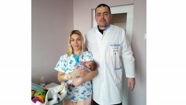 В АГ-то във Варна спасиха живота на родилка след тежко усложнение