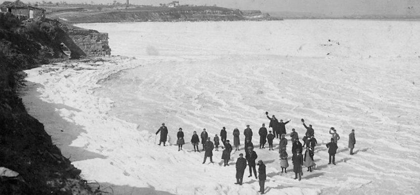 Замръзвало ли е Черно море до Варна? (снимки)