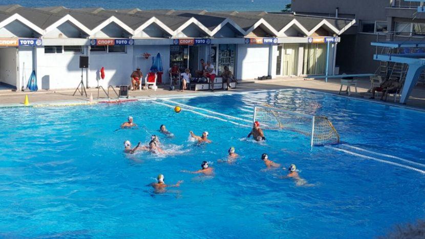 "Прекратиха мач по водна топка заради бой на басейн ""Приморски"""