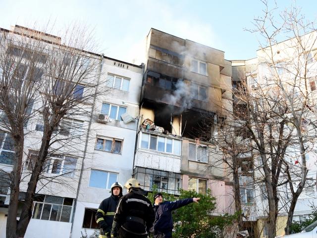 Блок 302 след взрива във Владиславово (СНИМКИ)