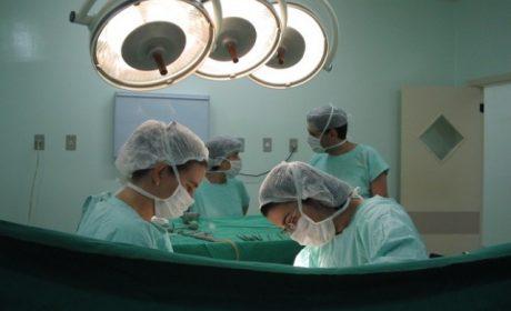 Лекари извадиха от стомаха на 3-годишно дете 31 магнитни топчета