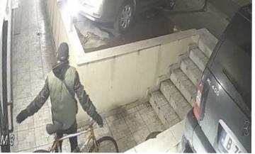 Идея: Домашен велогардероб срещу крадци във Варна (снимки)