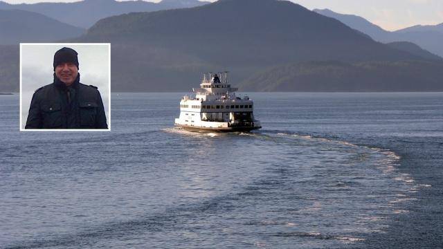 Варненец спаси удавник в Атлантическия океан